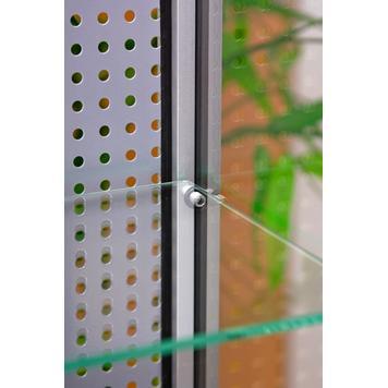 Staklena vitrina sa zadnjim rupicastim zidom